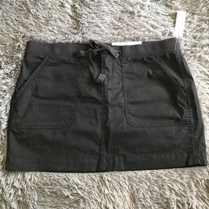 OLD NAVY 4 pocket skirt with tie waist in black